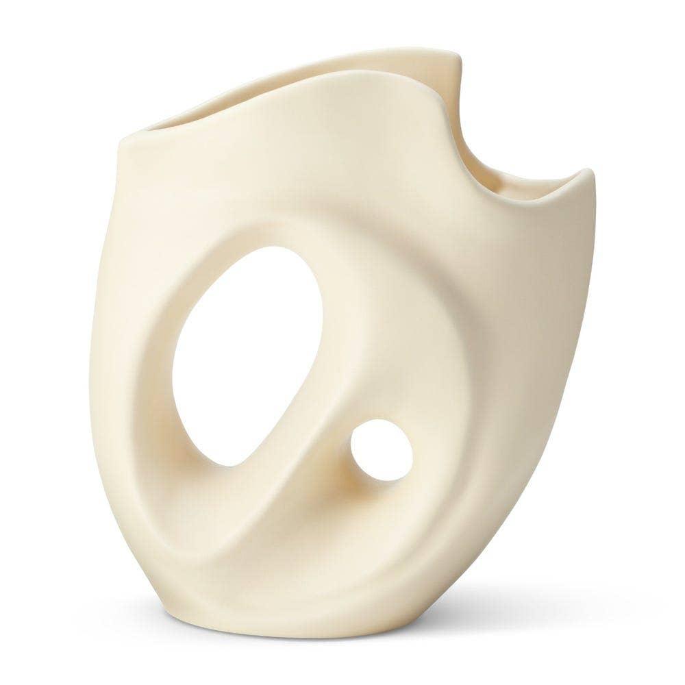 Aerin Petra Vase, Matte Cream