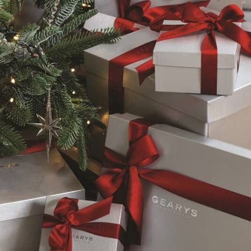 GEARYS Gifts Under $250 in Signature Wrapping